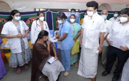 Honble Chief Minister inspected the COVID-19 vaccination in progress at the camps at Saidapet and Ekkatuthangal, Chennai